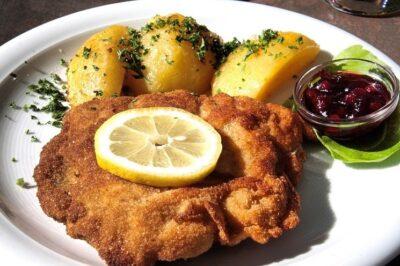 Weinersnitchel (correctly spelled: Wiener Schnitzel): Austrian National Dish